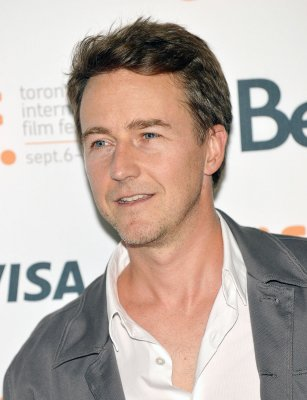 Actor Edward Norton to be first-time dad