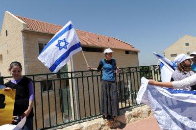 Netanyahu wants to legalize settlements