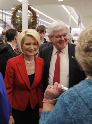 Gingrich teary about mom's mental health