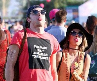 Sarah Hyland says boyfriend Dominic Sherwood is 'amazing'