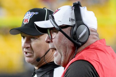 Buccaneers coach Bruce Arians rips officials: 'Referees aren't held accountable'