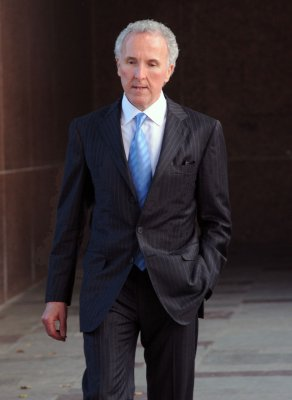McCourt to meet with MLB execs