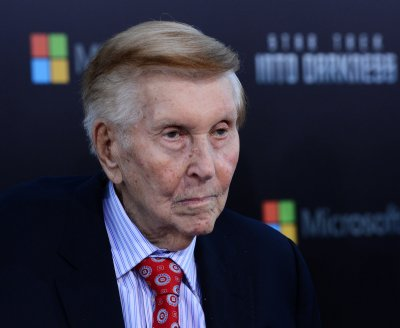 Sumner Redstone donates $20M to Motion Picture & Television Fund