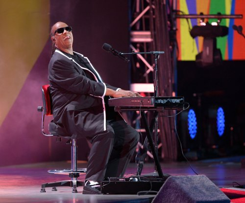 Stevie Wonder divorced, expected to pay $25,000 a month in child support