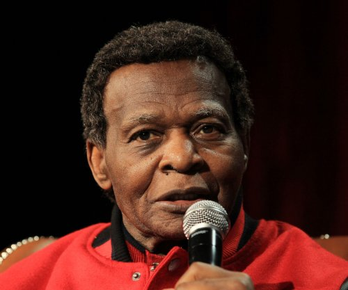 St. Louis Cardinals legend Lou Brock undergoing cancer treatment