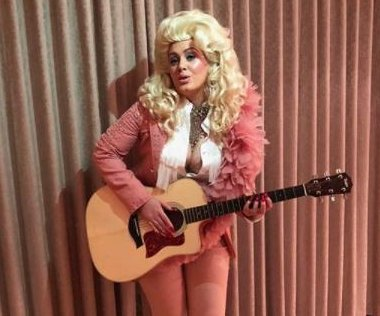 Adele dresses up as Dolly Parton: 'A hero of my life'