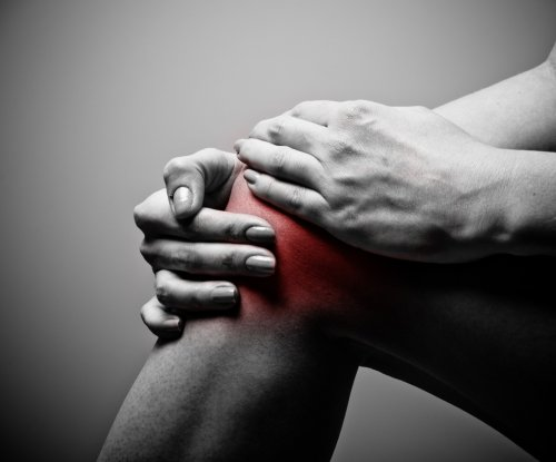 Tiny pellets could treat knee pain, delay replacement surgery
