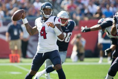 Texans: No plans to rein in Deshaun Watson