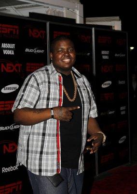 Hip-hopper Sean Kingston healing at home
