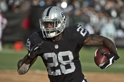 Oakland Raiders running well with patchwork line