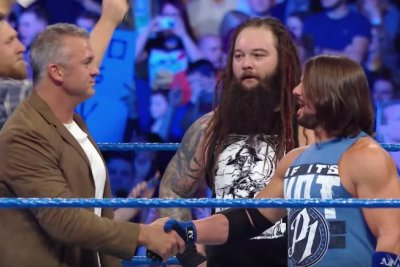 Shane McMahon joins Team Smackdown for Survivor Series