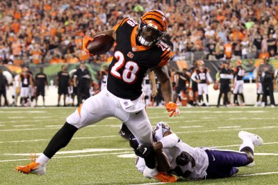 Cincinnati Bengals RB Joe Mixon mysteriously surfaces on injury report