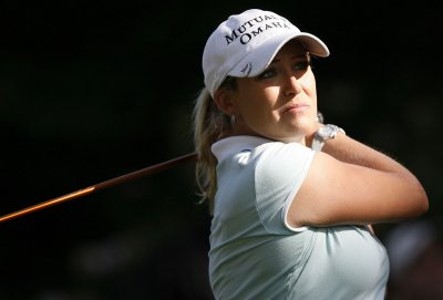 Kerr back at No. 1 in women's golf