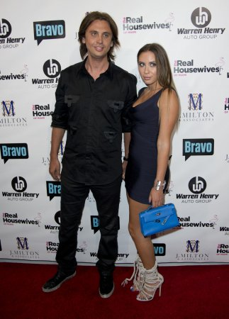 Jonathan Cheban defends Kim Kardashian to Naya Rivera