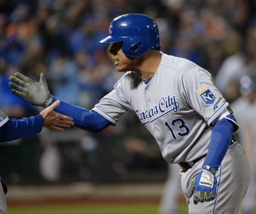 Royals go up 3-1 after winning Game 4