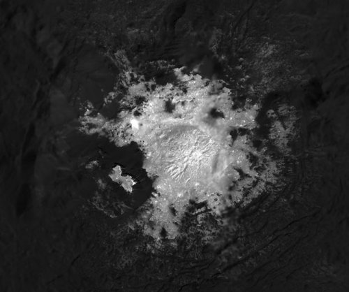 NASA's Dawn spacecraft focused on Ceres as it nears end of mission