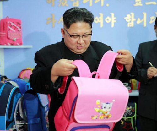 Report: Backpacks fashionable, popular in Pyongyang