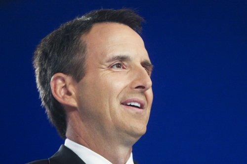 Pawlenty disbands campaign, pays off debt