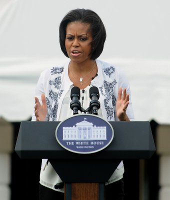 First lady promotes mentoring in Detroit