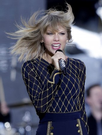 Taylor Swift removes all music from Spotify
