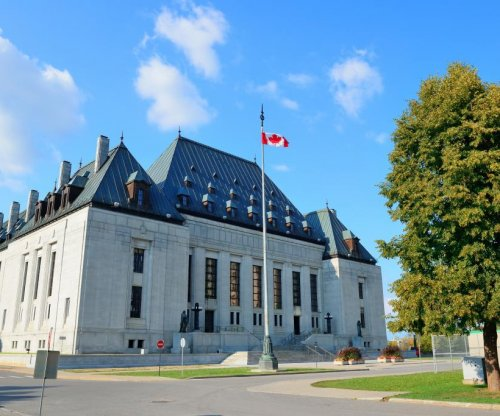 Canadian Supreme Court bans prayer at city council meetings
