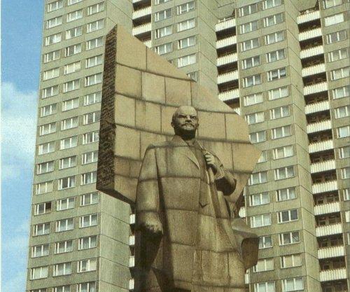 Massive, granite head of Lenin unearthed in Berlin