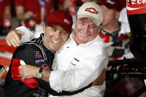 NASCAR Hall of Fame enshrines distinguished class of 2017