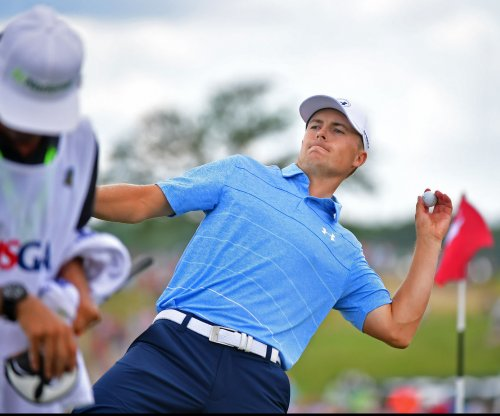 Jordan Spieth sinks crazy chip from bunker to win Travelers Championship