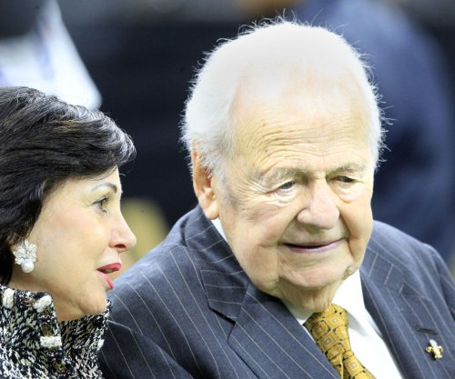Tom Benson: New Orleans Saints owner dies