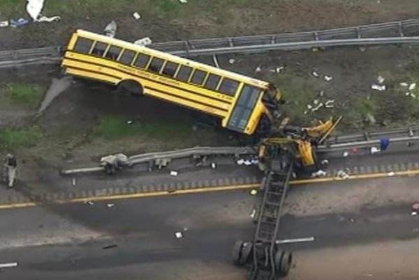 School bus driver in N J  made U-turn before deadly crash: video