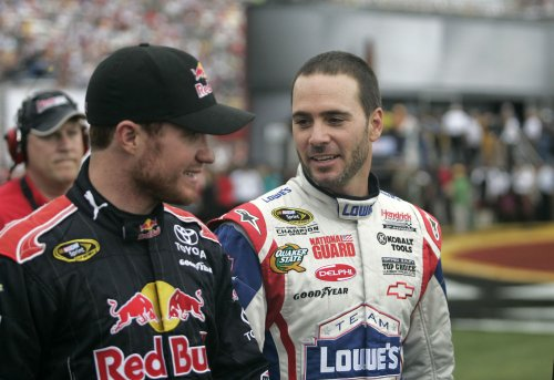 Vickers wins pole on NASCAR road course