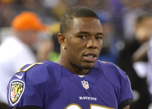 Ray Rice told Roger Goodell he punched girlfriend, sources say