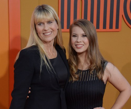 Bindi Irwin, mom Terri attend 'The Nice Guys' premiere