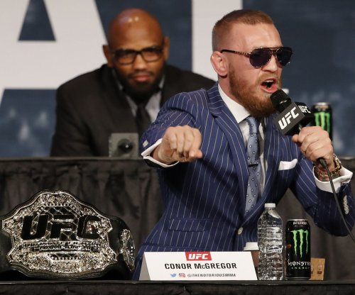 Conor McGregor obtains boxing license in California