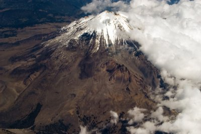 3 in climbing party rescued on Mexican volcano; 1 dead