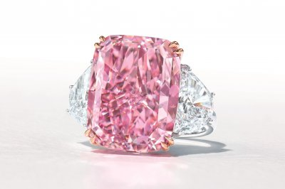 World-record purple-pink diamond sold for $29M at auction