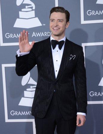 Macklemore & Ryan Lewis' 'Thrift Shop' tops U.S. record chart