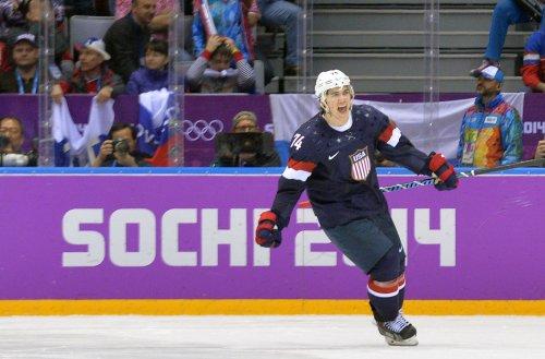 T.J. Oshie master of shootout for U.S. men's hockey team