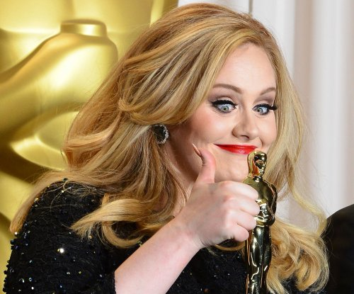 Adele's '25' breaks single-week sales record, beats 'NSYNC
