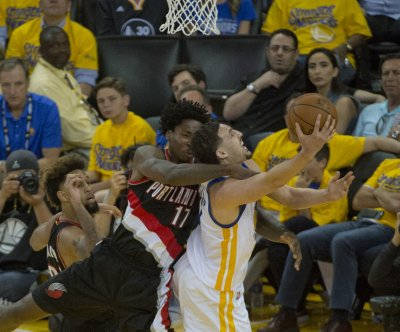 Klay Thompson pours in 37 as Golden State Warriors jump on Portland Blazers