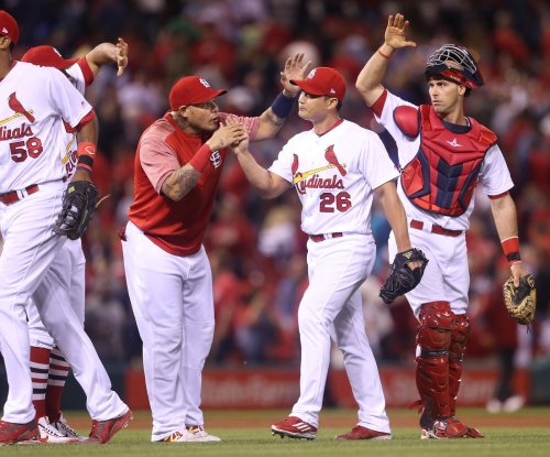 Mike Leake, St. Louis Cardinals shut down Pittsburgh Pirates