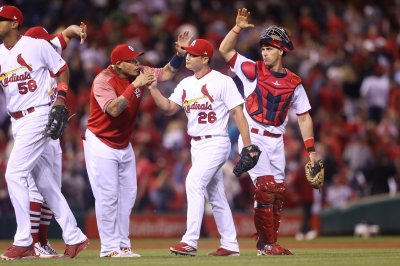 Mike Leake, St. Louis Cardinals shut down Pittsburgh Pirates