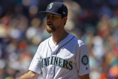A's hope to stop Leake when facing Mariners