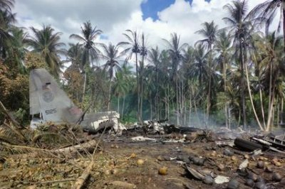 , Philippine Air Force plane crashes; at least 31 dead, Forex-News, Forex-News