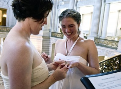N.J. Supreme Court: Gay couples can marry -- at least for now