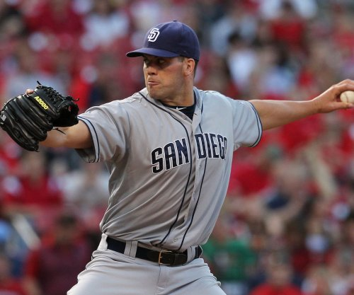Clayton Richard pitches San Diego Padres to 4-0 shutout win over Los Angeles Dodgers