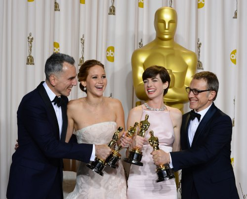 Jennifer Lawrence, Daniel Day-Lewis to be Oscars presenters