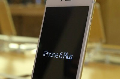 Apple recalls shipment of iPhone 6 Plus due to blurred camera glitch