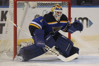 St. Louis Blues' Brian Elliott records third straight shutout
