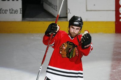 Andrew Ladd scores game-winner for Chicago Blackhawks